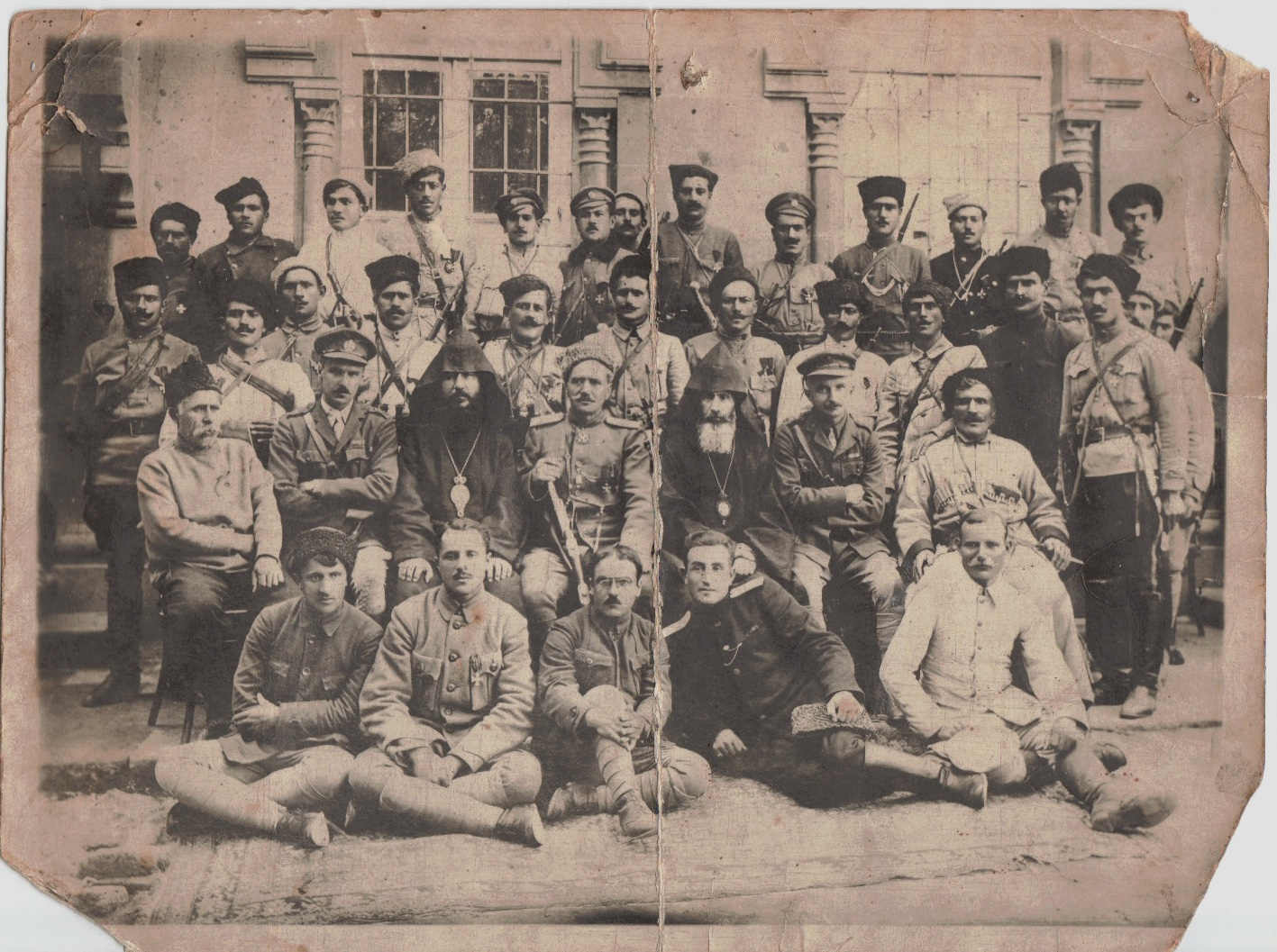 Ermeni teröristler ve Ermeni Papaz